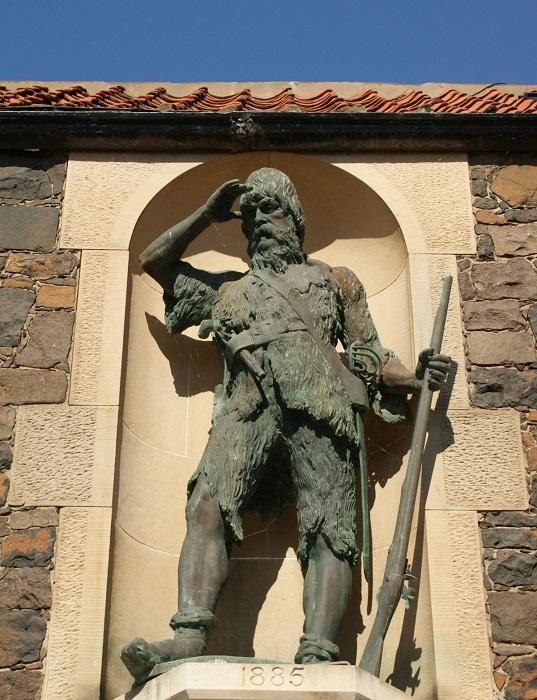 Памятник Александру Селькирку в Шотландии.   Фото: 1.bp.blogspot.com.